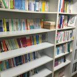ニートの本棚を公開するけど見ます?本棚の紹介と「どこで買いどこで売るのがベストか」について。